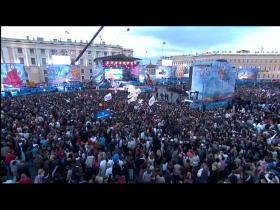 Moving Heroes Crazy (Palace Square, Live 2009)
