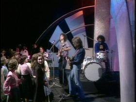 10cc Life Is A Minestrone (Top of the Pops, Live 1975) (NTSC)
