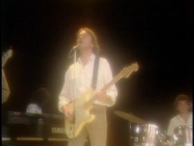 10cc Run Away (Saturday Superstore, Live 1982)
