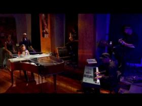 Alicia Keys No One (Studio Performance)