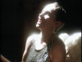 Annie Lennox Keep Young And Beautiful