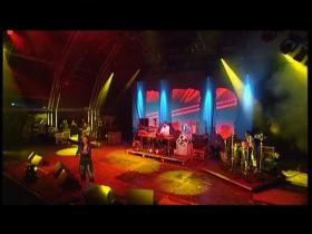 Basement Jaxx Red Alert (feat Blue James) (Glastonbury, Live 2000)