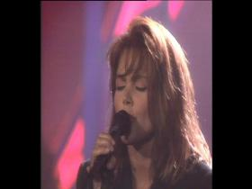 Belinda Carlisle Heaven Is A Place On Earth (Top of the Pops, Live 1987)