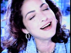 Gloria Estefan I See Your Smile