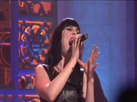 Jessie J Price Tag (feat B.o.B) (Saturday Night Live 2011) (HD)