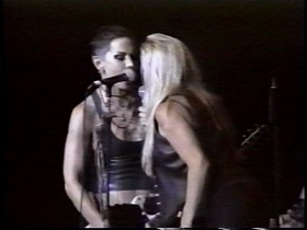 Joan Jett & The Blackhearts Cherry Bomb (feat Cherie Currie) (Live 2001)