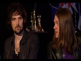 Kasabian Live & Exclusive