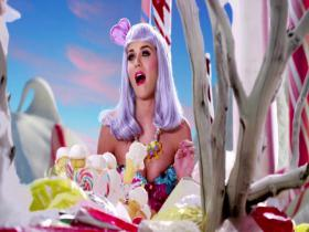 Katy Perry California Gurls (feat Snoop Dogg)