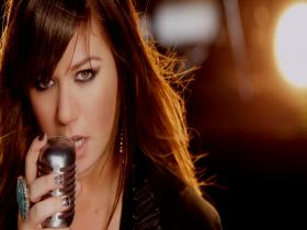 Kelly Clarkson Stronger (What Doesn't Kill You) (M)