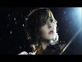 Lindsey Stirling Shatter Me (feat Lzzy Hale)