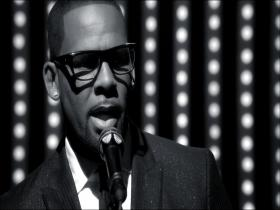 R. Kelly When A Woman Loves (HD)