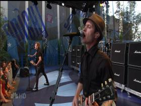 Sum 41 Walking Disaster (The Tonight Show with Jay Leno, Live 2007) (HD)