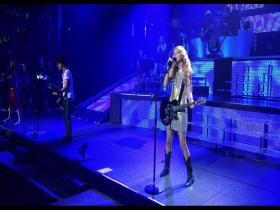 Taylor Swift Should've Said No (with Jonas Brothers) (from The 3D Concert Experience, Live 2009) (BD)