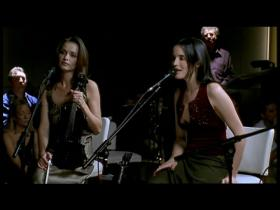 The Corrs Everybody Hurts (Live)