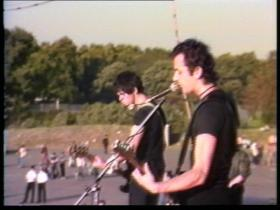 The Stranglers Hanging Around (Live)