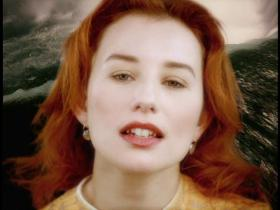 Tori Amos Caught A Lite Sneeze